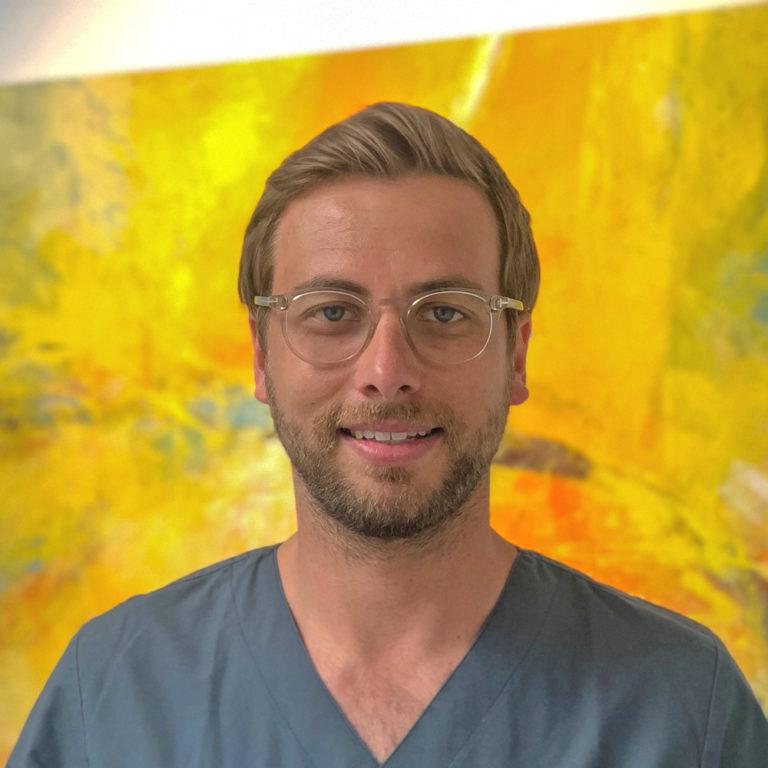 Dr. J. Knickenberg